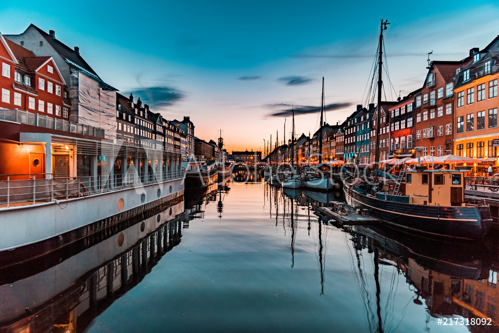 Nyhavn at golden hour (Copenhagen, Denmark)
